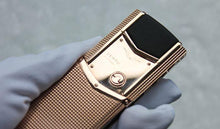 Load image into Gallery viewer, Vertu Signature Clous de Paris Red Gold