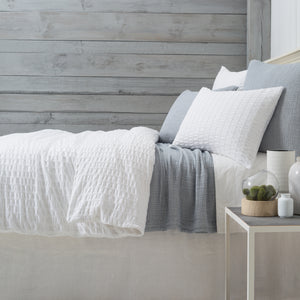 BROOKLYN MATELASSÉ COVERLET