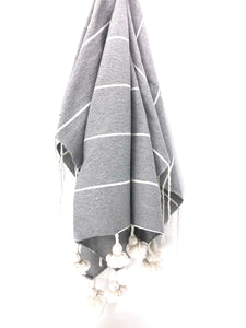 Beach House Throw Gris Claire/ Wh pom