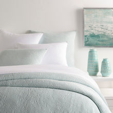 Load image into Gallery viewer, BUBBLE GREY MATELASSÉ COVERLET