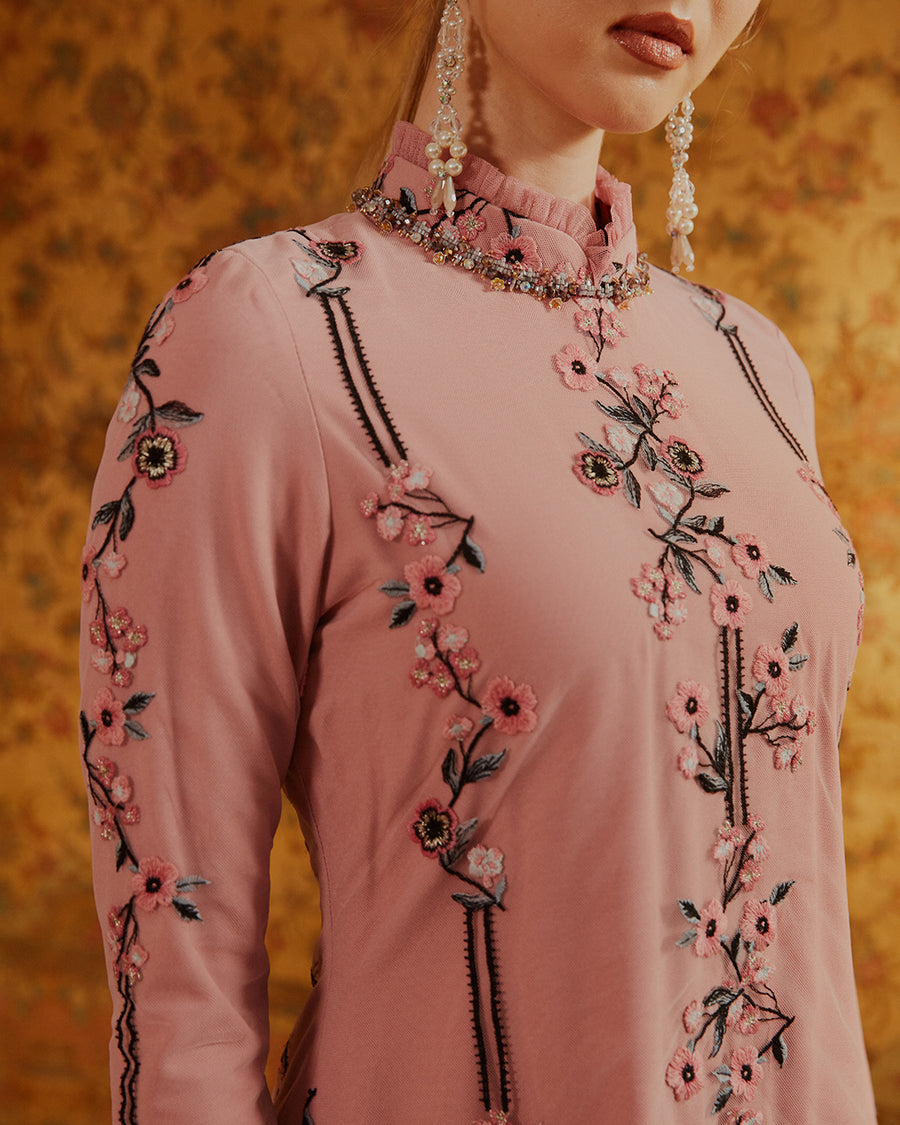 SHAHNAZ - FLORAL LACE KEBAYA MODERN WITH CRYSTAL EMBELLISHED COLLAR