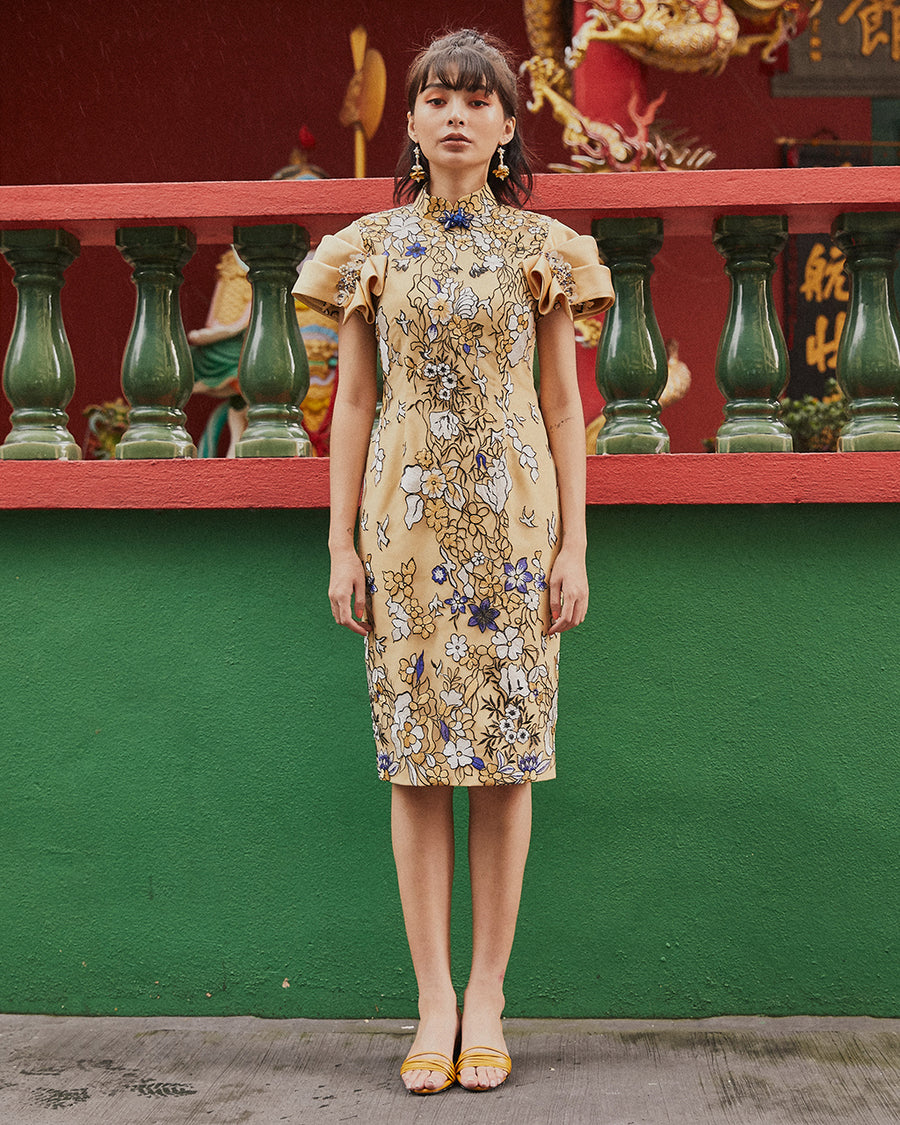 JIA - EMBROIDERED LACE CHEONGSAM WITH FOLD DETAILED SLEEVE