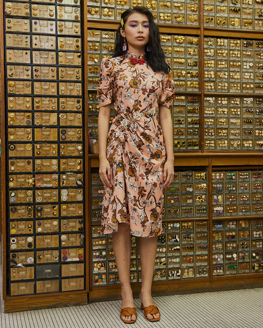 HUI FANG - PUFF SLEEVED FLORAL PRINT CHEONGSAM WITH RUCHED DETAIL