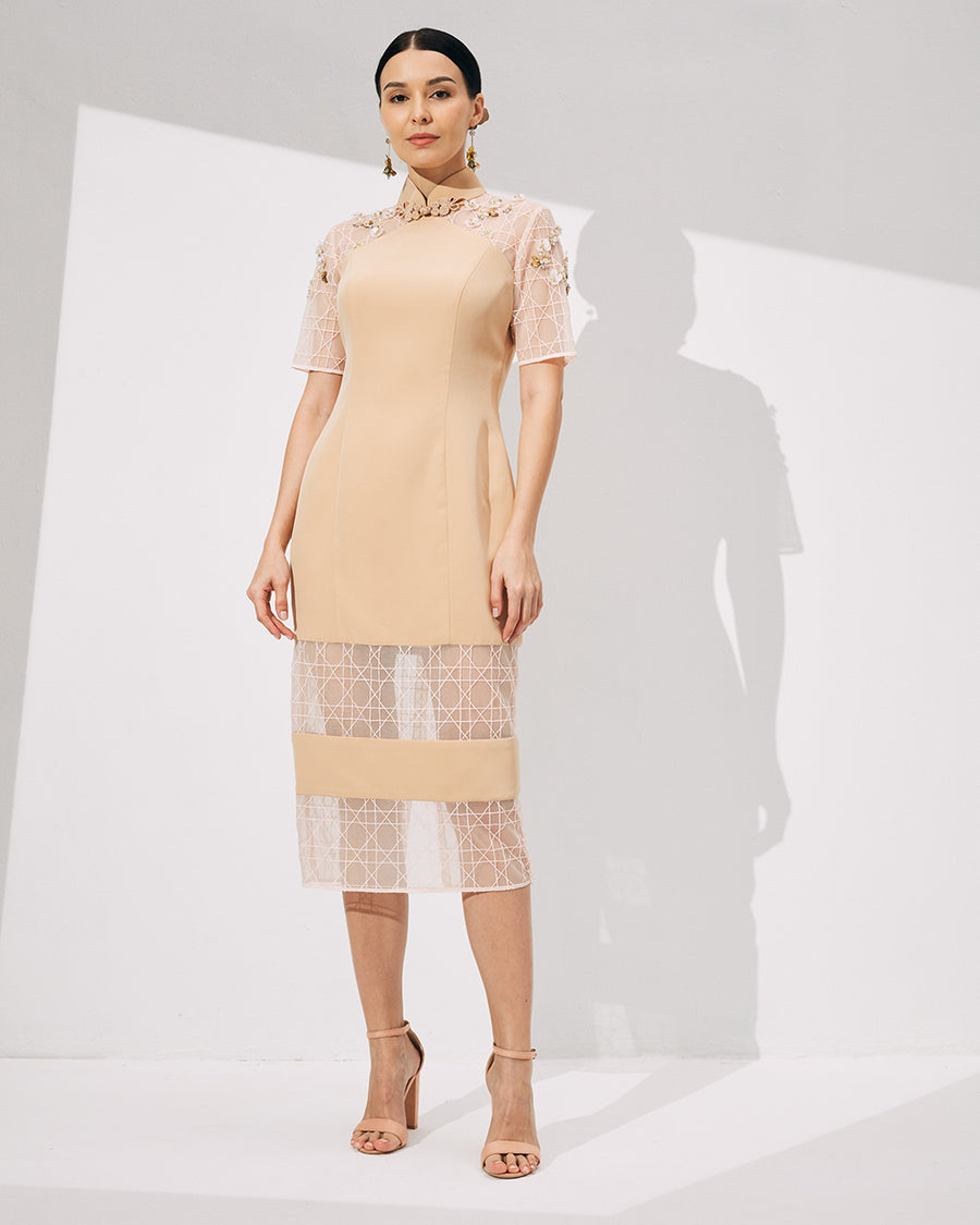 IRSS/21/04/01 - MIDI LENGTH CHEONGSAM WITH SHEER GEOMETRIC LACE PANELLED HEMLINE