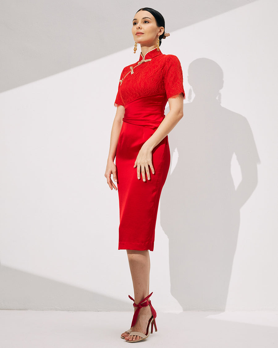 IRSS/21/13/01 - RED CHEONGSAM IN LACE WITH GOLD KNOT BUTTONS AND PIPING