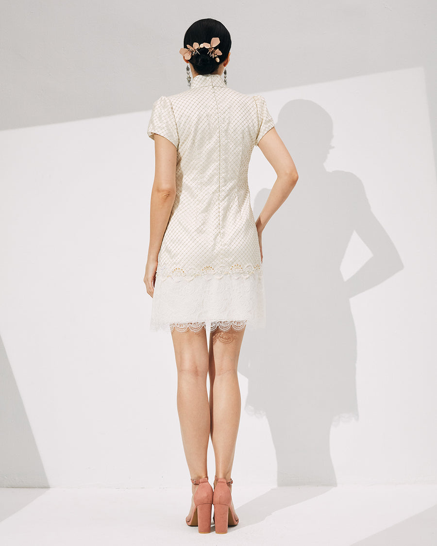 IRSS/21/26/01 - GOLD GRID LACE MINI CHEONGSAM
