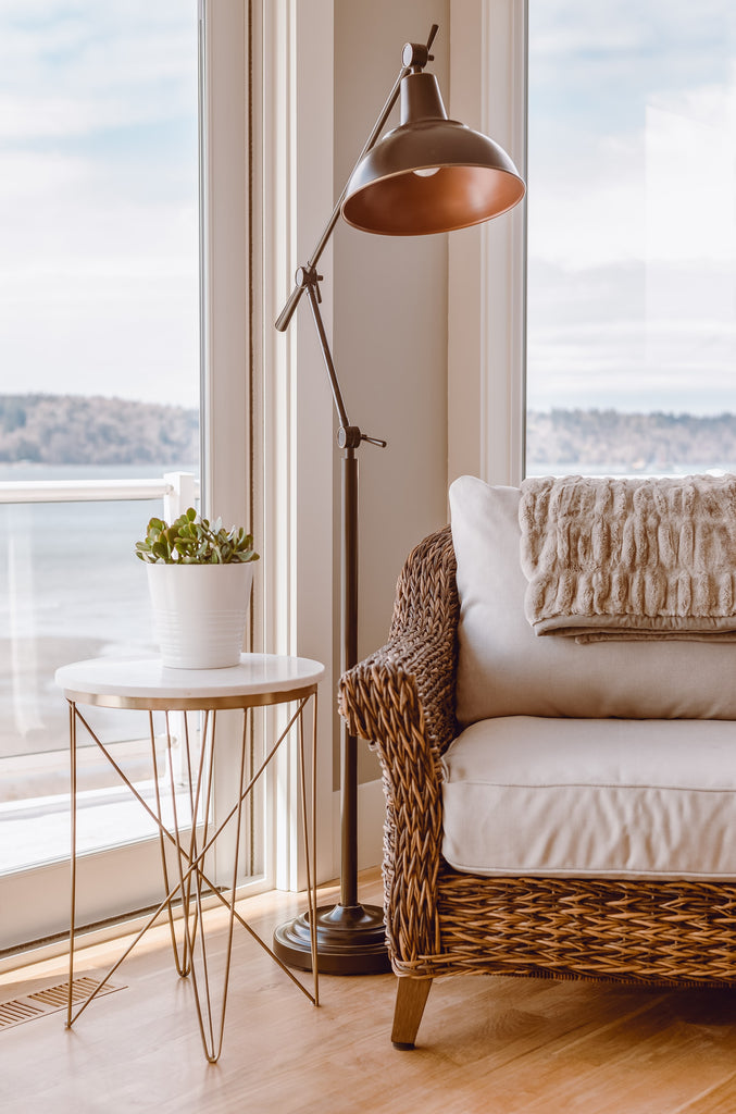 floor lamp in small space