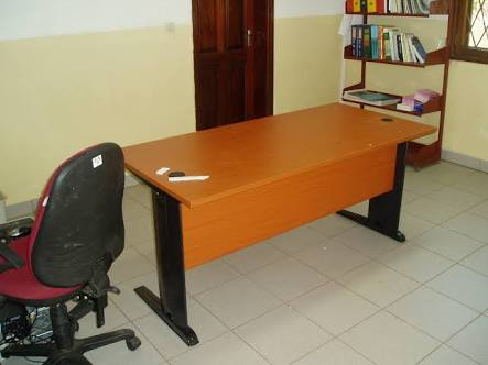executive manager office desk 4ft
