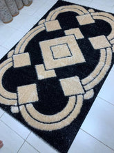 Load image into Gallery viewer, coloured decorative center rug