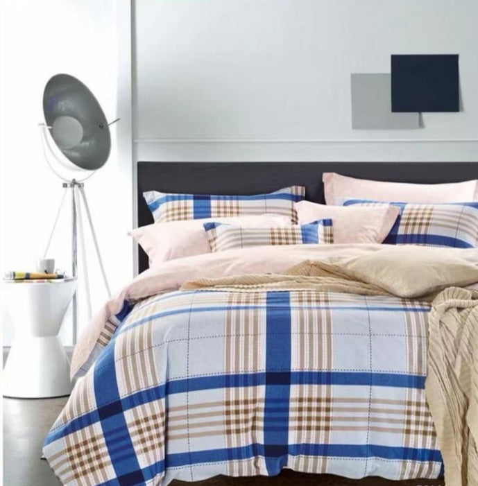 Beautiful checkered  American Bedsheet and Duvet