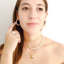 Load image into Gallery viewer, Open Hoop Earrings with Pearls