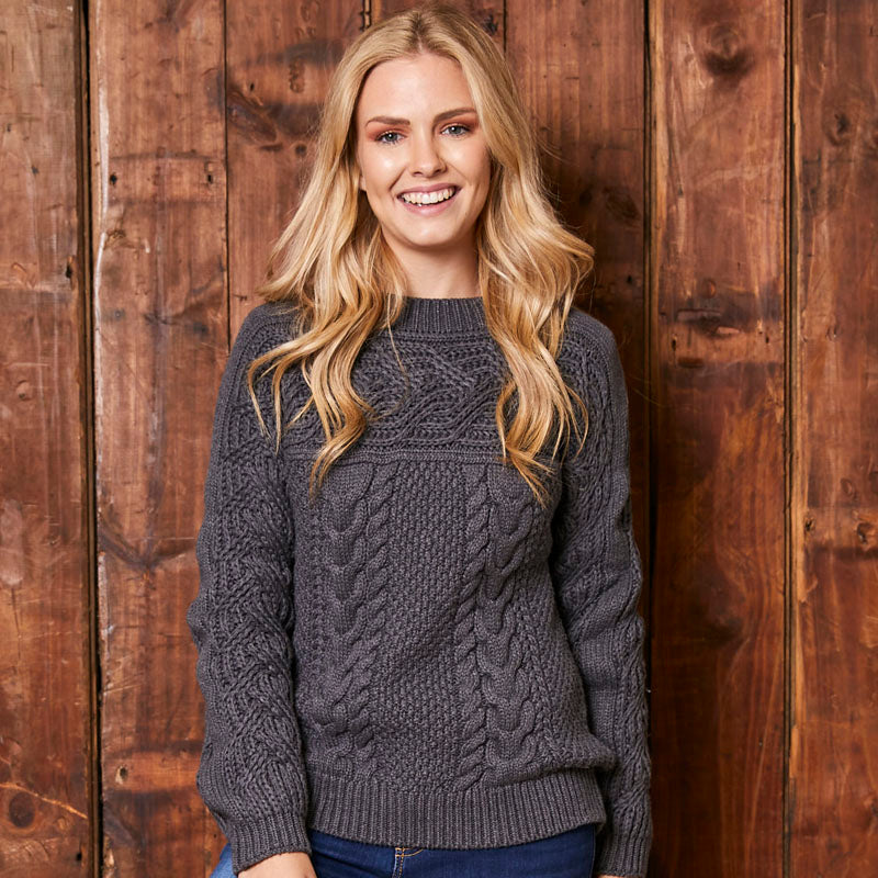 Chunky Cable Knit Jackal Pullover