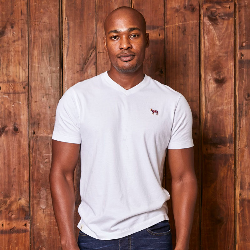 Pop Nguni Badge V-Neck Pelican Tee