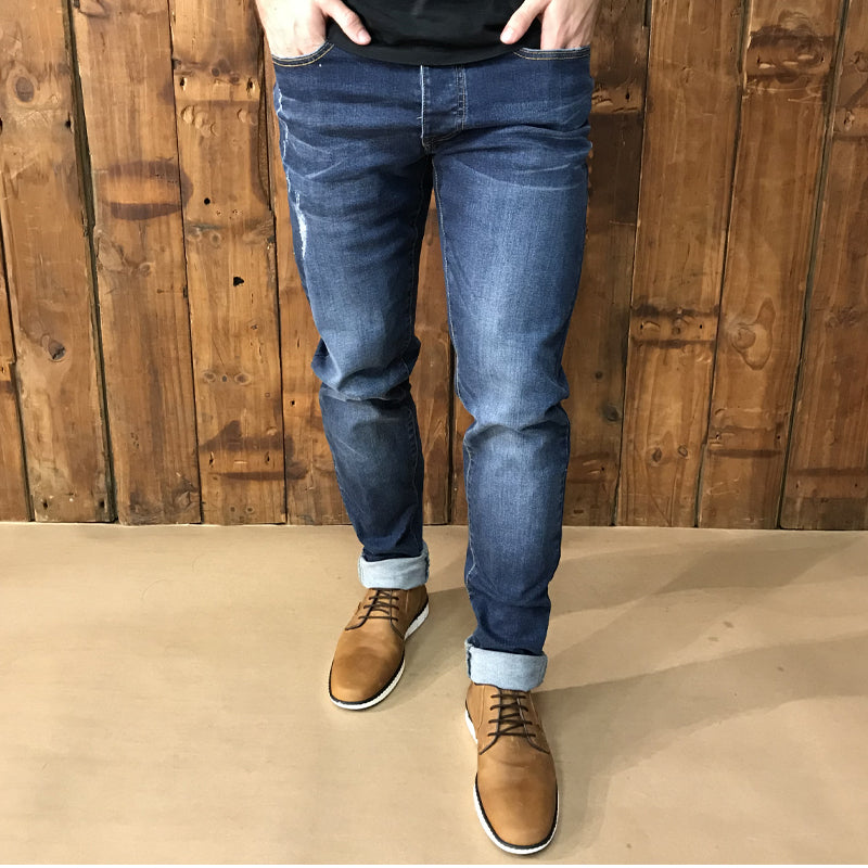 Serengeti Tapered Indigo Light Wash Denim