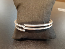 Load image into Gallery viewer, Tiffany & Co Vintage Bangle