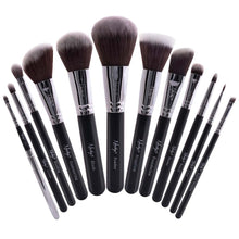 Load image into Gallery viewer, Masterful Collection Makeup Brush Set Black