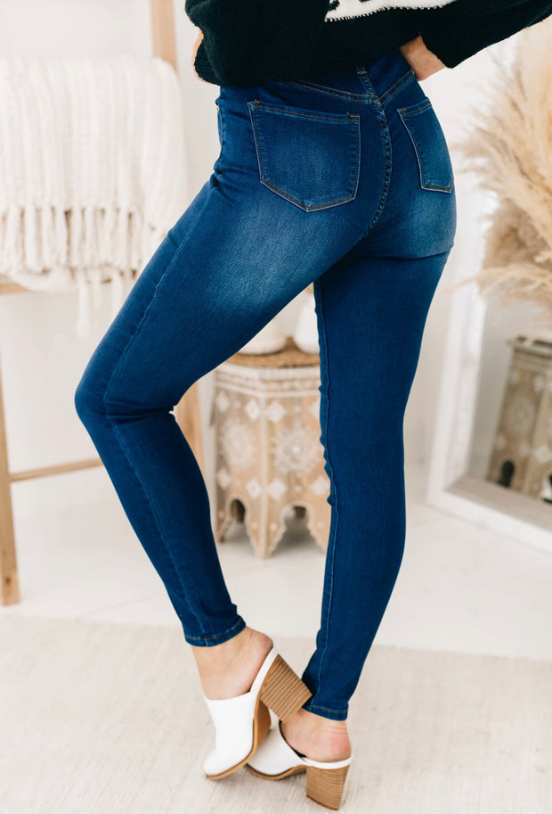 FAN CLUB JEANS (Dark Wash)