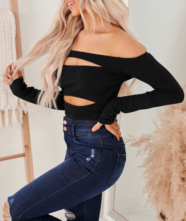 TASTE OF REVENGE OFF THE SHOULDER CROP TOP (BLACK)