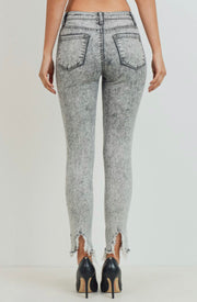 WEEKEND ADVENTURES HIGH RISE STRAIGHT LEG JEANS (ACID WASH)