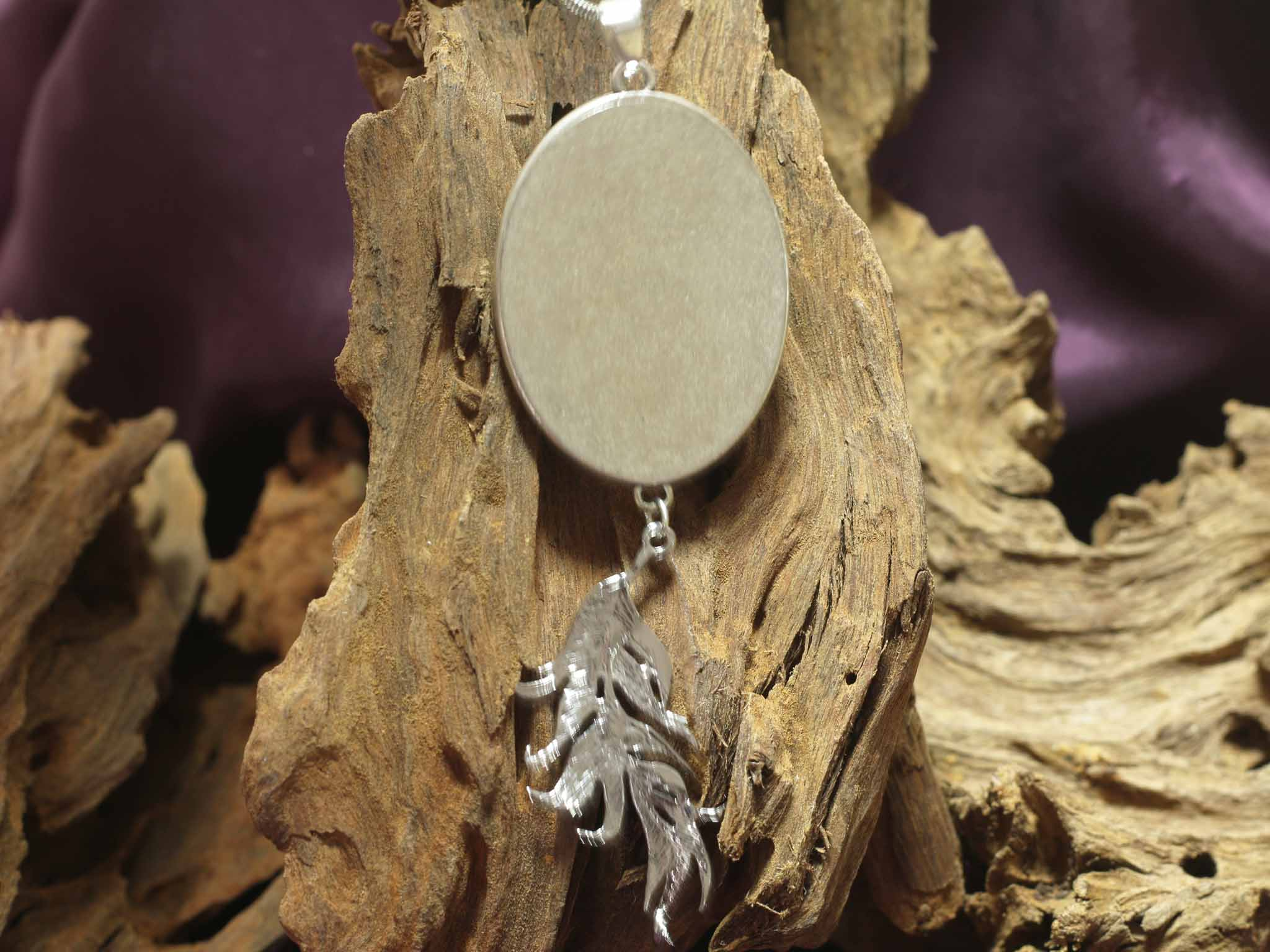 Oval Amulet with Feather L - Ice Queen