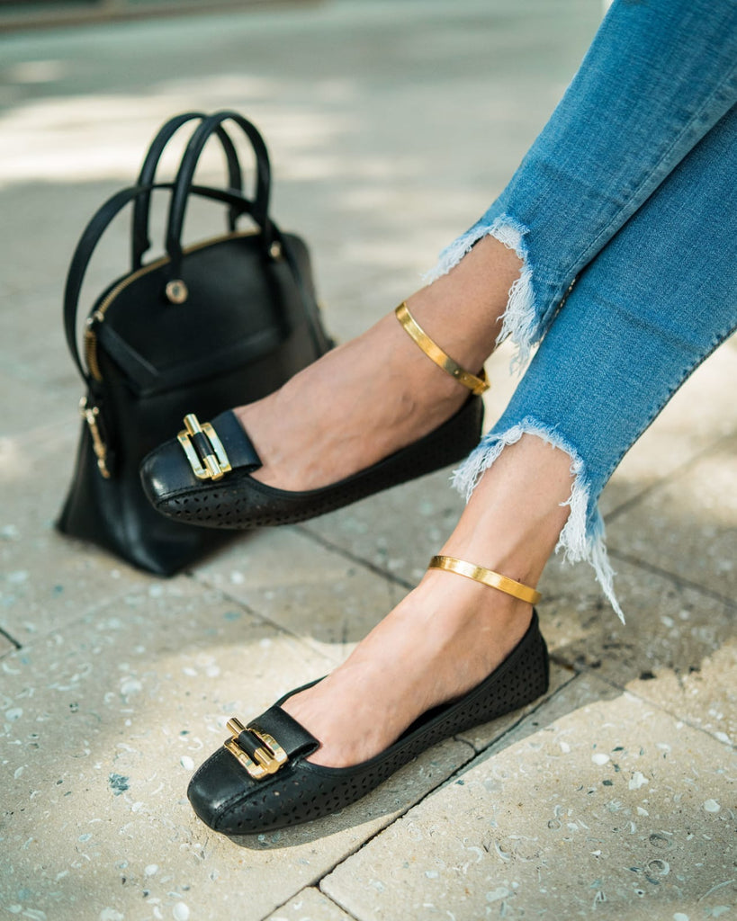 Fashionable Ways to Style Flats/Shoes