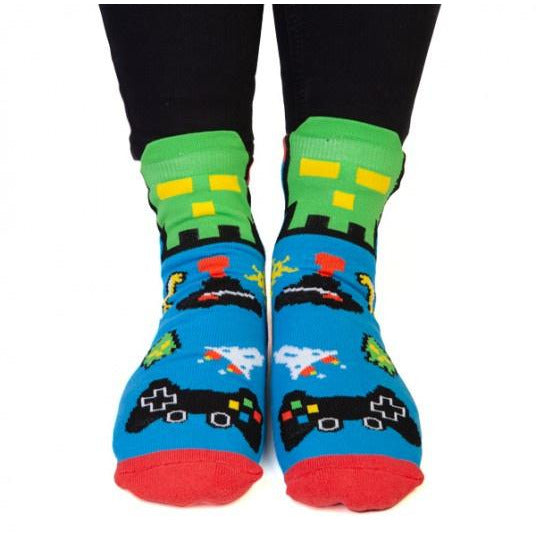 feet speak gamer socks