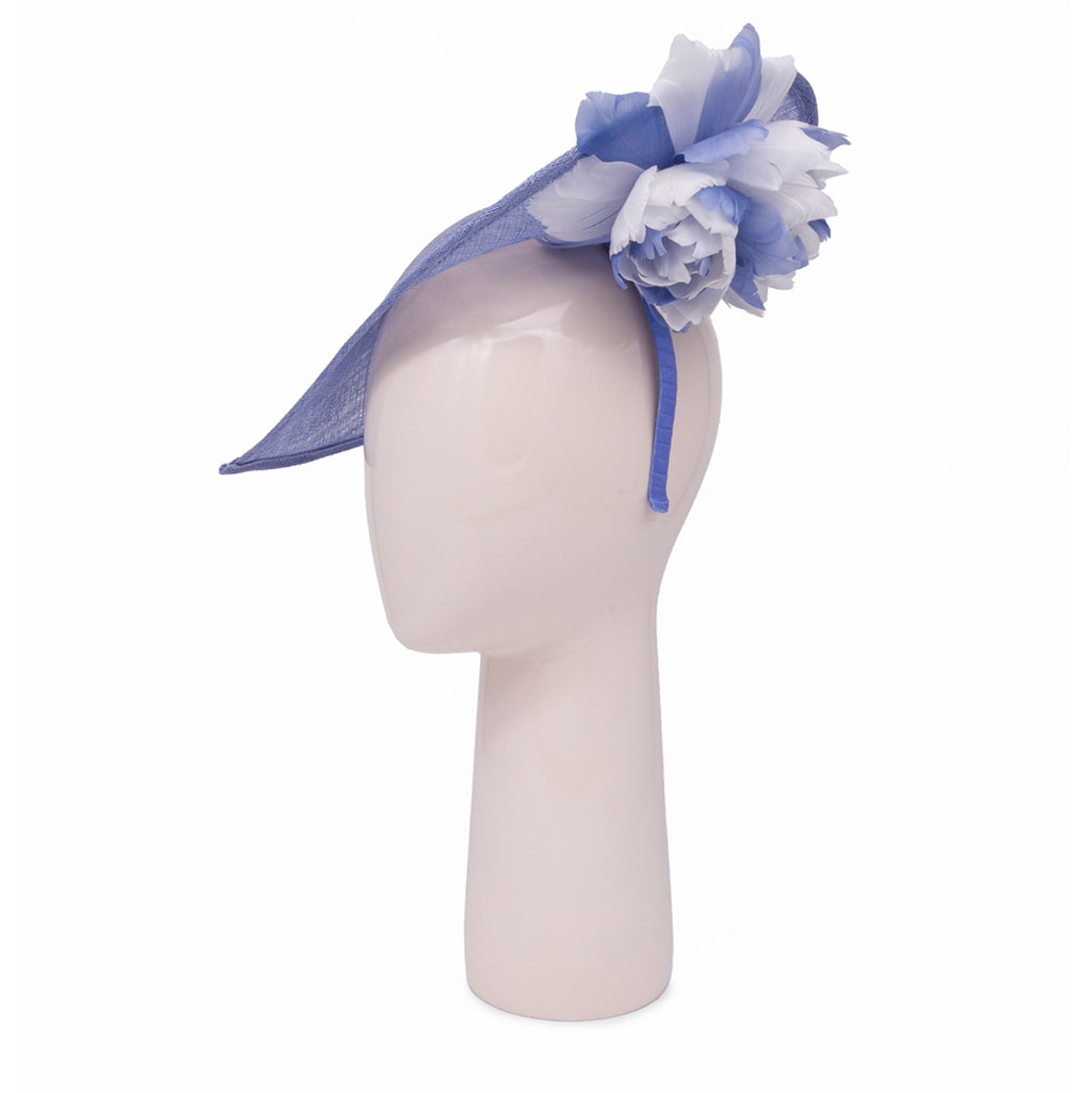 Heart shaped head-piece with feather flower under brim in Ocean and Ivory