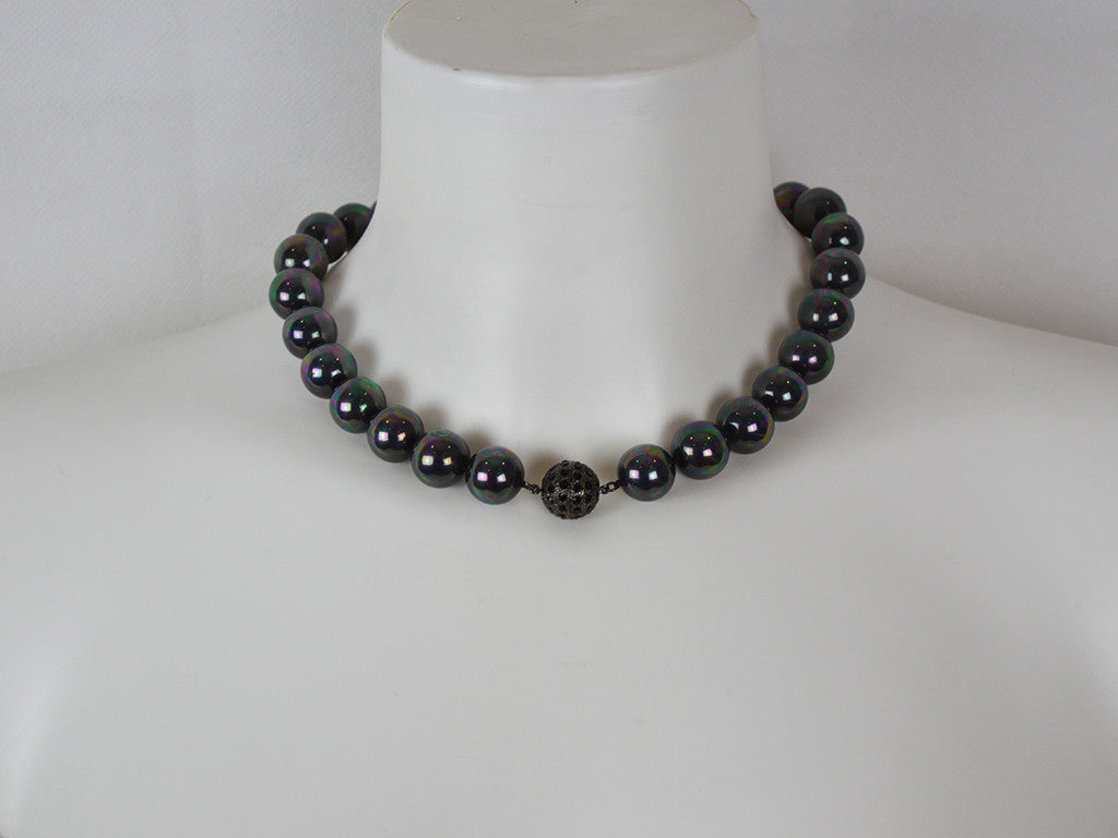 Necklace - Mother Of Pearl Necklace With Diamanté Clasp - Mirrored Black