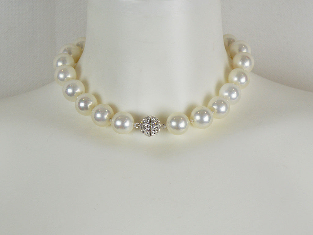 Necklace - Mother Of Pearl Necklace With Diamanté Clasp - White