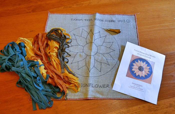 "Complete Beginner Rug Hooking Kit - 10"" x 12"" Frame, Pattern, Wool, & Hook - Pattern of Your Choice"