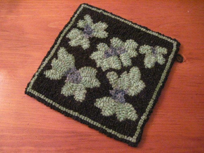 "Mount Battie Blueberries - Trivet *PATTERN ONLY* 8"" x 8""  Hooked Rug Pattern"