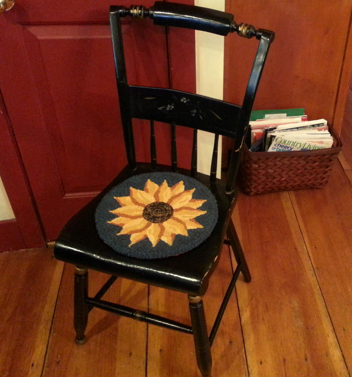 "Evening Sunflower Chair Pad - 12"" Rug Hooking Kit-Round"