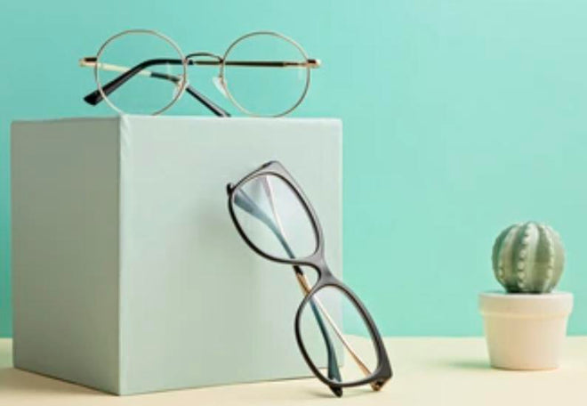 WOMEN'S EYEGLASSES
