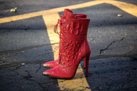 Crocodilus red croc bootie