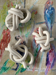 Bare porcelain knots