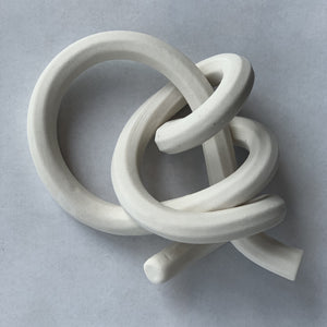 Bare porcelain, two half hitches knot