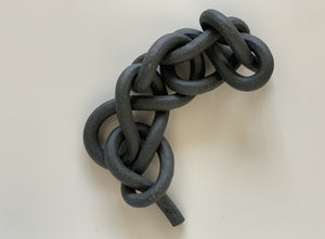 Ebony, textured chain sennet knot
