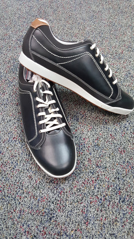 Cabinet View Golf Course / Foot Joy Mens Golf Shoes / Size 12 / Value of $99