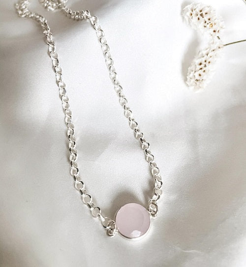 Silver necklace with rose quartz pendant