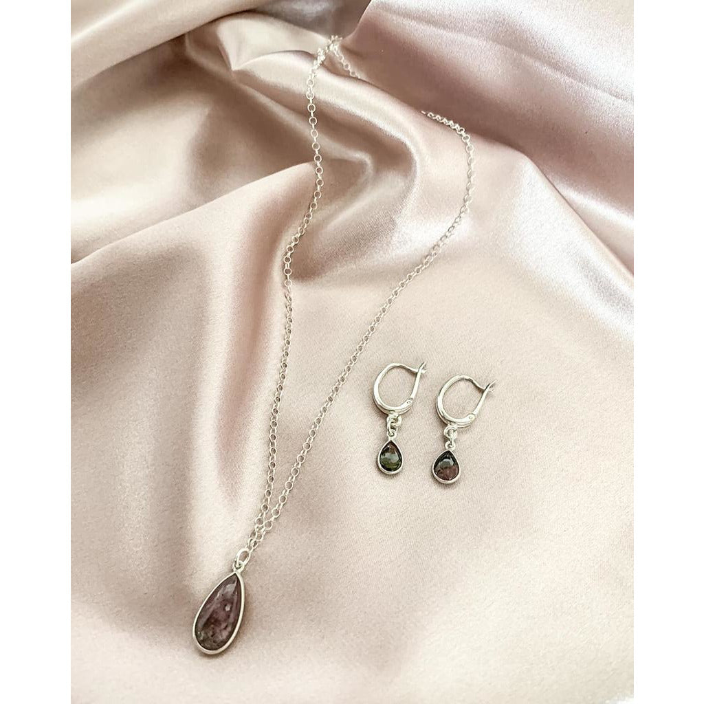 Silver earrings with tourmaline stone