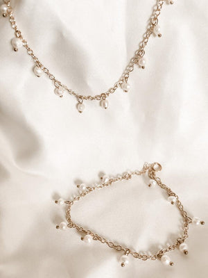 Pearl Necklace Description: