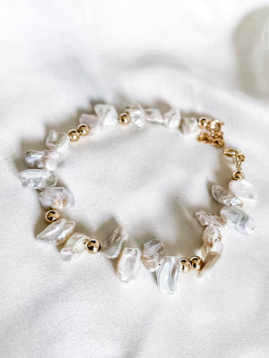 Elongated pearl bracelet