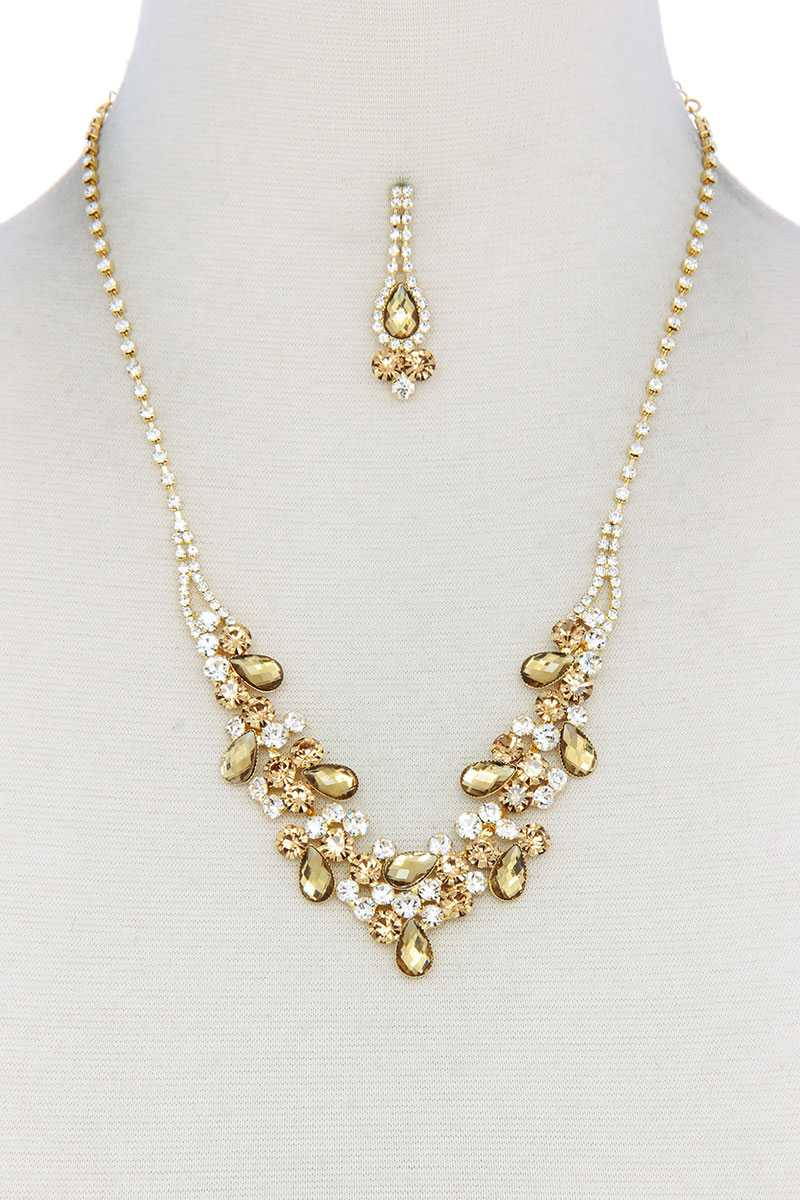 Teardrop Shape Rhinestone Necklace.