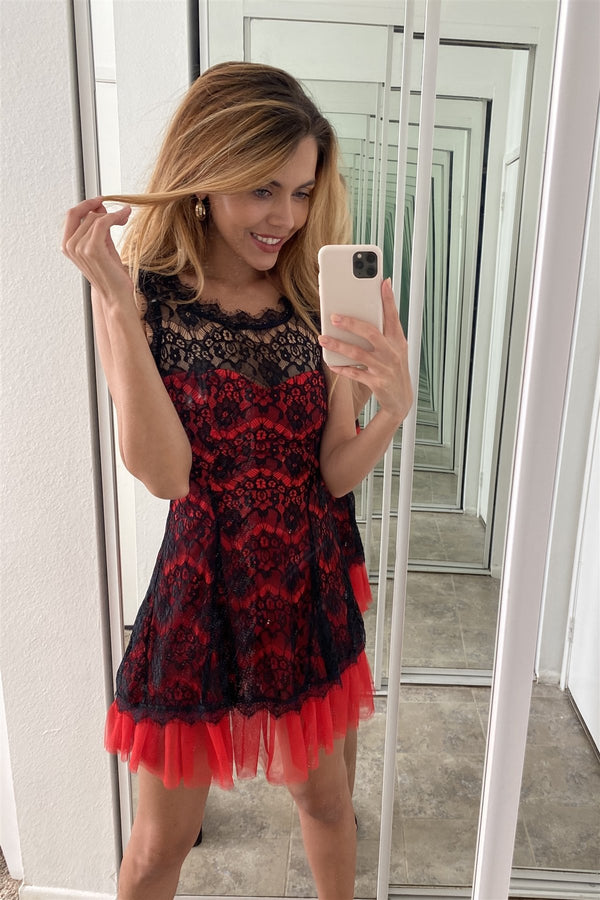 Black Red Lace Contrast Tulle Hem Mini Dress - CYFASHION