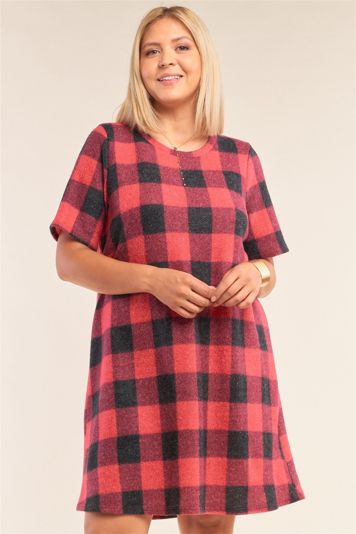 Plus Size Checkered Round Neck Short Sleeve Sweater Mini Dress - CYFASHION