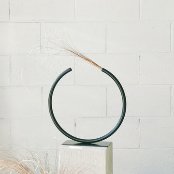 Almost a Circle – Stainless Steel, Medium Vase in Matte Black by Anna Varendorff