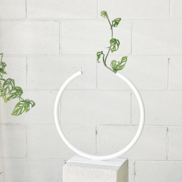Almost a Circle – Stainless Steel, Medium Vase in White by Anna Varendorff