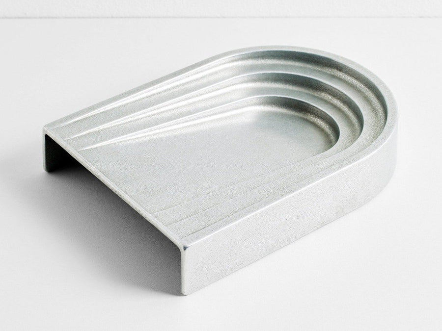 Thoronet Dish Aluminium by Henry Wilson - THE PLANT SOCIETY ONLINE OUTPOST
