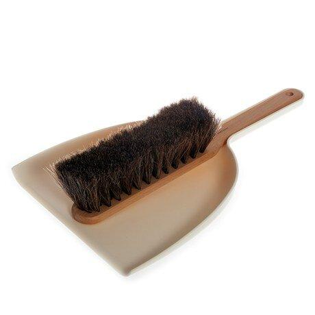 Dustpan & Brush Set by Iris Hantverk
