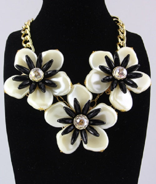 Black White Daisy Flower Necklace